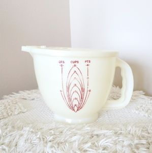 Vintage Tupperware Liquid Measuring Cup Container